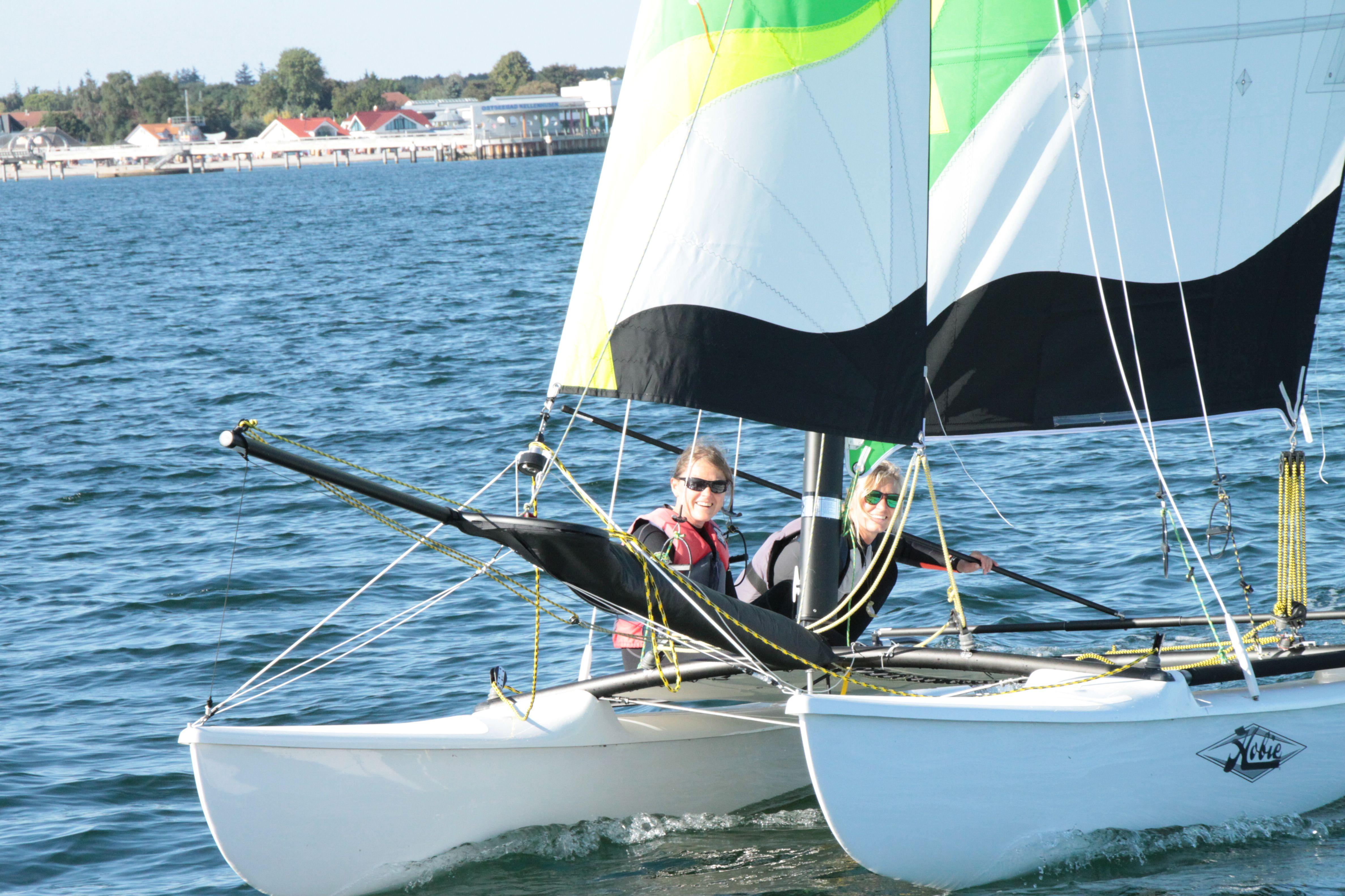 Segelboote Yachten & Kielboote Trapezgurt Wassersport Katamaran usw.